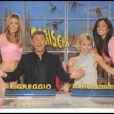 Michelle Hunzinker et Ezio Greggio s'éclatent sur le plateau de leur émission  Striscia La Notizia . 14/01/09