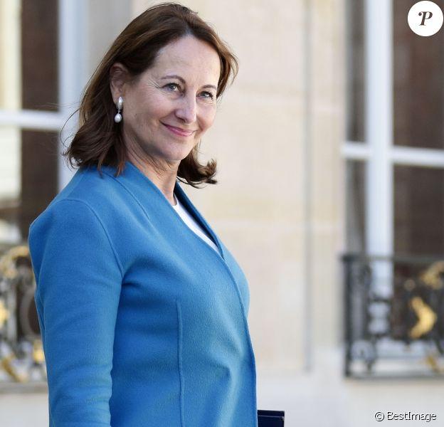 Ségolène Royal - Sorties du conseil des ministres du mercredi 12 avril au palais de l'Elysée à Paris. Le 12 avril 2017 © Stéphane Lemouton / Bestimage 12/04/2017 - Paris