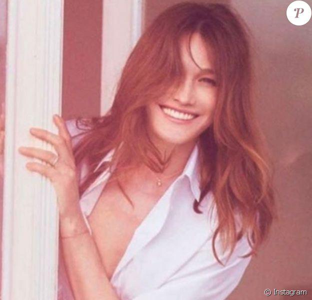 Carla Bruni, qui sera désormais représentée et conseillée par #np, société de Pascal Nègre, prépare en 2017 la sortie de son cinquième album. Photo Instagram publiée le lundi 10 avril 2017.