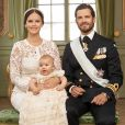 Le prince Alexander de Suède avec ses parents le prince Carl Philip et la princesse Sofia. Photo officielle du baptême du prince Alexander de Suède, fils du prince Carl Philip et de la princesse Sofia de Suède, célébré le 9 septembre 2016 au palais royal Drottningholm, à Stockholm. © Mattias Edwall / Cour royale de Suède