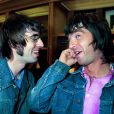 Liam Gallagher et Noel à Londres en 1999.