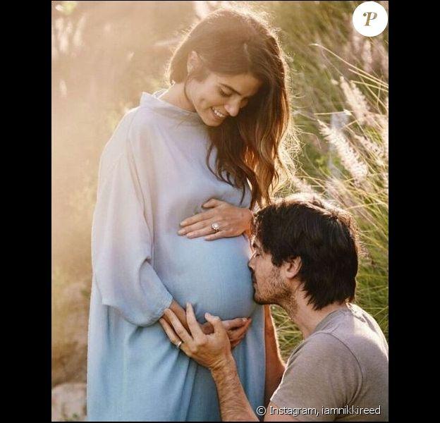 Nikki Reed a partagé cette photo sur Instagram pour dévoiler sa grossesse, le 4 mai 2017
