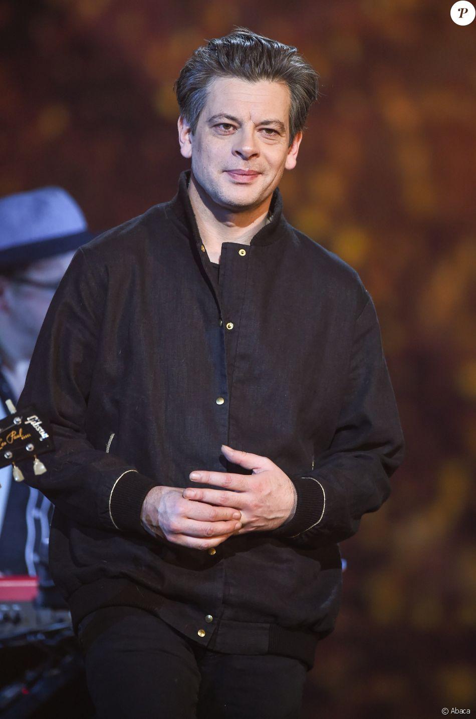 Benjamin Biolay lors des 32e Victoires de la Musique 2017 le 10 février au Zénith de Paris, où il a reçu la Victoire de l'album de chansons de l'année.