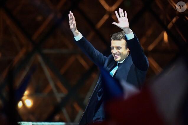 Emmanuel Macron - Le président-élu, Emmanuel Macron, prononce son discours devant la pyramide au musée du Louvre à Paris, après sa victoire lors du deuxième tour de l'élection présidentielle le 7 mai 2017.