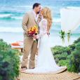 Jason Aldean et sa femme Britanny (Kerr) ont annoncé le 9 mai 2017 sur Instagram qu'ils attendent leur premier enfant. Photo publiée sur Instagram en mars 2017 pour leur 2e anniversaire de mariage.