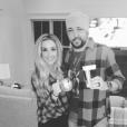 Jason Aldean et sa femme Britanny (Kerr) ont annoncé le 9 mai 2017 sur Instagram qu'ils attendent leur premier enfant. Photo Instagram 2017.