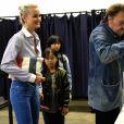 Exclusif - Johnny Hallyday, sa femme Laeticia et leurs filles Jade et Joy au bureau de vote de Los Angeles pour les élections présidentielles françaises de 2017. Le 6 mai 2017 © Chris Delmas / Bestimage