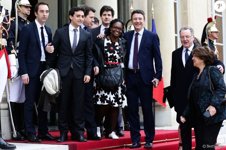 Sibeth Ndiaye la conseillère de Macron fait le buzz avec son look lors de l'investiture. Photos