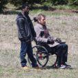 """Bryan Cranston et Kevin Hart sur le tournage d'une scène de """"The Untouchables"""", le remake américain de Intouchables à Hawk Mountains en Pennsylvanie le 3 avril 2017."""
