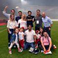 Radamel Falcao avec sa femme Lorelei Taron enceinte, ses filles Dominique et Desirée et des amis durant la rencontre de football de Ligue 1 opposant Monaco à St Etienne au stade Louis II à Monaco le 17 mai 2017.