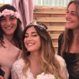 """""""Anaïs Camizuli accompagnée de sa soeur Manon, le 13 mai 2017, jour de son mariage avec Sultan."""""""