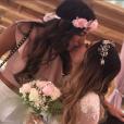 """""""Manon et Anaïs Camizuli, soeurs très complices, le 13 mai 2017. Anaïs se marie !"""""""