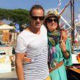 Eve Angeli et son ex-chéri Chrisophe. Le 29 juin 2015. Les amoureux passent du bon temps à Saint-Tropez.