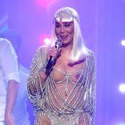 Cher quasi nue sur scène : Elle obtient son trophée d'Icône à 71 ans