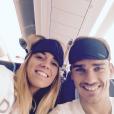 Antoine Griezmann et sa compagne Erika Choperena partant en vacances, photo Instagram été 2015.