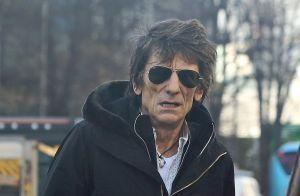 Ronnie Wood : Le guitariste des Rolling Stones opéré en secret