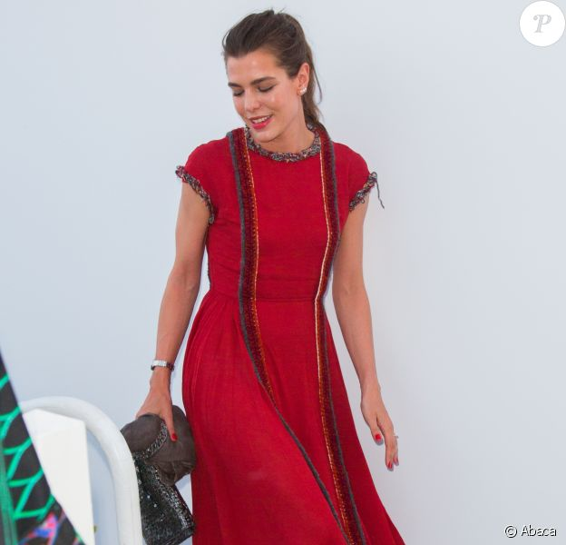 Charlotte Casiraghi prenait part le 24 mai 2017 au dîner organisé par Chanel et Vanity Fair au restaurant Tetou à Golfe Juan en marge du 70e Festival de Cannes.