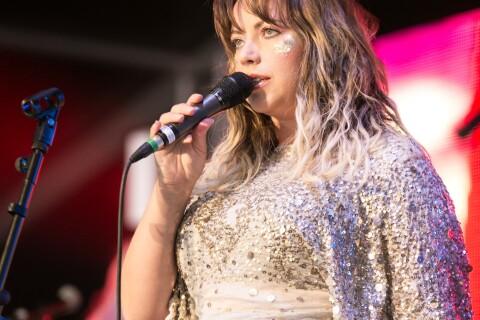 Charlotte Church : La star galloise annonce sa 3e grossesse en plein concert