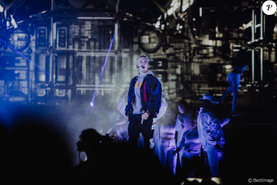 """Justin Bieber en concert lors de sa tournée """"Purpose Tour"""" à Sudney, Australie, le 15 mars 2017."""