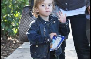 Kingston, le fils de Gwen Stefani, sait faire du vélo... sans petites roulettes !