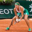 Kristina Mladenovic à Roland-Garros à Paris, le 2 juin 2017, lors de sa qualification pour les huitièmes de finale du tournoi après avoir battu Shelby Rogers.