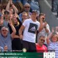 """Les parents de Kristina Mladenovic, Dragan et Dzenita, et son frère Luka ont explosé de joie lorsque """"Kiki"""" s'est qualifiée pour les quarts de finale de Roland-Garros le 4 juin 2017 en battant sur le court Suzanne-Lenglen la tenante du titre Garbiñe Muguruza (6-1, 3-6, 6-3)."""