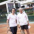 Alex Goude et Michel Boujenah lors de la deuxième journée du Trophée des Personnalités de Roland-Garros le 7 juin 2017