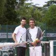 Cyrille Eldin et Frédéric Lerner lors de la troisième journée du Trophée des Personnalités de Roland-Garros le 8 juin 2017.