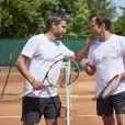 Julien Benedetto et Frédéric Joly lors de la troisième journée du Trophée des Personnalités de Roland-Garros le 8 juin 2017.