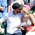 Margot Bancilhon et son compagnon dans les tribunes des Internationaux de Tennis de Roland Garros à Paris le 8 juin 2017 © Cyril Moreau-Dominique Jacovides/Bestimage