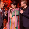 Nowlenn Leroy, enceinte, interprète avec Nicola Cavallaro le tube As, sur le plateau de la finale de The Voice sur TF1 le 10 juin 2017