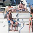 Exclusif - Kevin Trapp et sa compagne Izabel Goulart profitent d'une belle journée en mer sur un yacht. Ibiza, le 1er juin 2017.