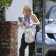 Bella Thorne arrive chez elle de bon matin après avoir passé la nuit dehors à Sherman Oaks, le 14 juin 2017.