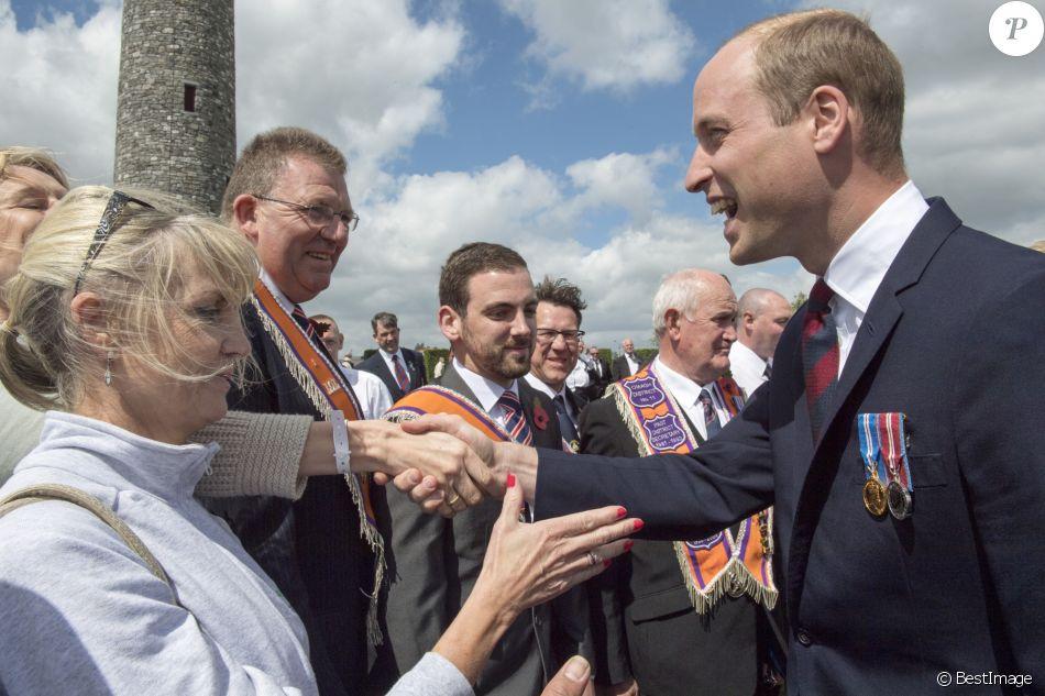 Le prince William, duc de Cambridge, la princesse Astrid de Belgique et le premier ministre irlandais Enda Kenny au Parc de Paix de l'ÎIe d'Irlande à Messines, le 7 juin 2017, lors de la commémoration de la Bataille de Messines.
