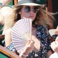 Laura Smet - Personnalités dans les tribunes lors des internationaux de France de Roland Garros à Paris. Le 10 juin 2017. © Jacovides - Moreau / Bestimage