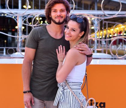 "Rayane Bensetti et Denitsa ""s'envoient en l'air"" en Ibiza face à Marilou Berry"