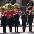 Le prince Harry a gardé un souvenir traumatisant des funérailles publiques de sa mère Lady Di, le 6 septembre 1997 à Londres. Agé de 12 ans et au côté de William (15 ans), il avait dû marcher derrière le cercueil pendant une demi-heure jusqu'à l'abbaye de Westminster, sous le regard de millions de Britanniques et de téléspectateurs du monde entier.