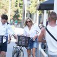La première dame Brigitte Macron (Trogneux) part en vélo à la plage avec sa fille Tiphaine Auzière, son compagnon Antoine et leurs enfants Elise et Aurèle au Touquet, le 17 juin 2017 en début d'après-midi.  © Dominique Jacovides/Sébastien Valiela/Bestimage