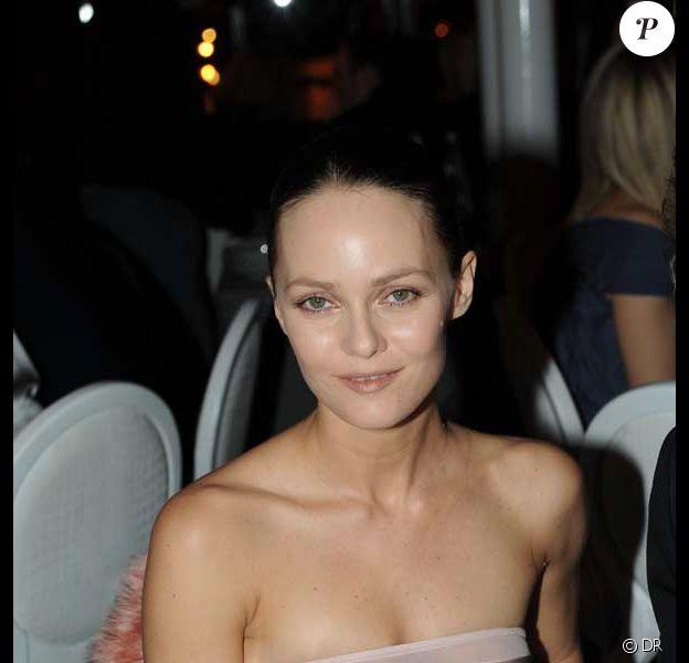 Vanessa Paradis à la 7ème édition du dîner de la mode 2009 contre le SIDA