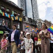 Justin Trudeau : Un ministre amusé et en famille à la marche des fiertés