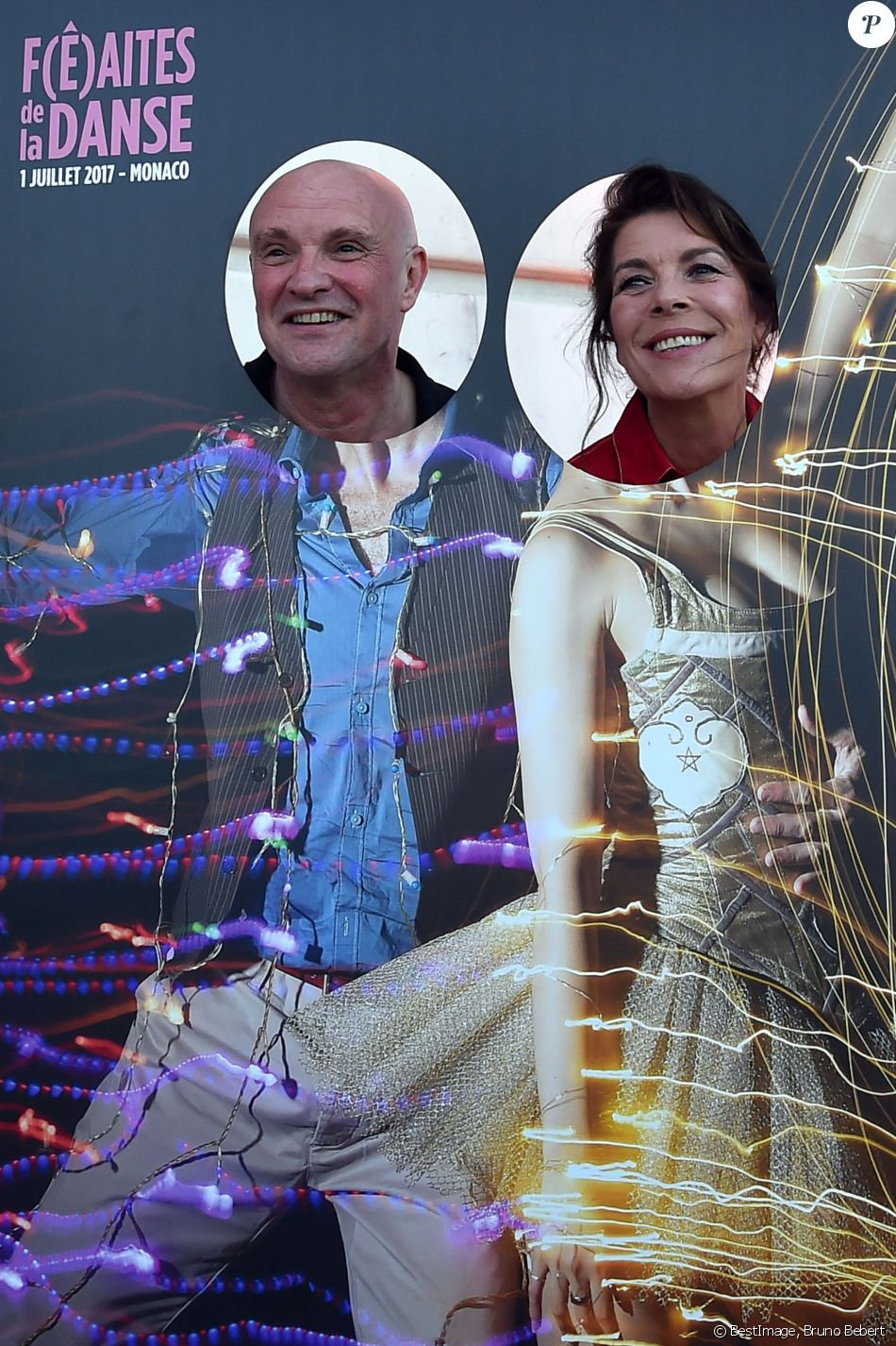 """Jean-Christophe Maillot et la princesse Caroline de Hanovre durant la 1ère """"F(ê)aites de la Danse"""" sur la Place du Casino à Monaco le 1er juillet 2017.  © Bruno Bebert/Bestimage"""