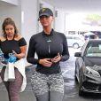 Amber Rose arrive au volant de sa Rolls-Royce pour faire du shopping à Beverly Hills, le 7 juin 2017