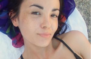 Agathe Auproux : Après son joli sideboob, elle rayonne en bikini sans maquillage