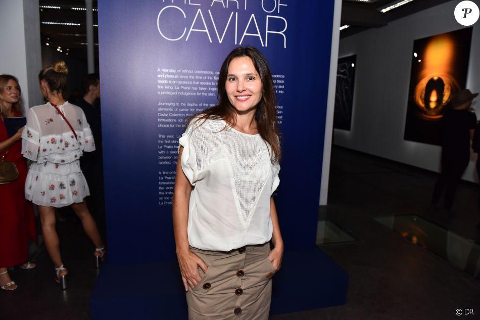 """Virginie Ledoyen - Vernissage de l'exposition """"The Art of Caviar"""", célébrant les 30 ans de la collection """"Skin Caviar"""" de La Prairie. Paris, le 4 juillet 2017."""