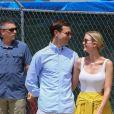 Ivanka Trump et son mari Jared Kushner se promènent dans leur quartier à Washington le 24 juin 2017.