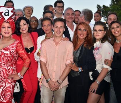 Stéphanie de Monaco : Soutenue par ses enfants et la troupe Stars 80