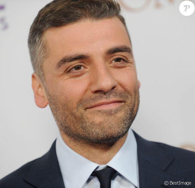 """Oscar Isaac à la première de """"The promise"""" à New York le 18 avril 2017"""