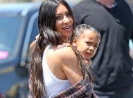 """Kim Kardashian : Avec son corset trop """"hot"""", sa fille de 4 ans fait scandale"""