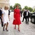 La première dame française Brigitte Trogneux et la première dame des Etats-Unis Melania Trump lors de la cérémonie d'accueil du président des Etats-Unis à l'Hôtel National des Invalides à Paris le 13 juillet 2017. © Dominique Jacovides/Bestimage