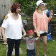 """Exclusif - L'actrice Jamie-Lynn Sigler assiste à une réception avec son fils """"Beau"""" agé de deux ans à New York le 4 juillet 2015."""